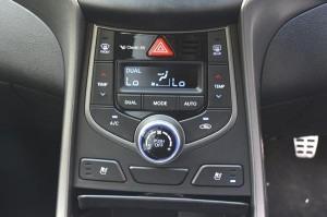 Hyundai Elantra 09