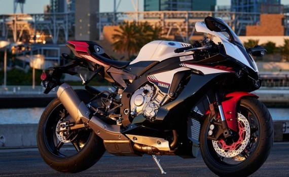 2016 Yamaha R1S - 08