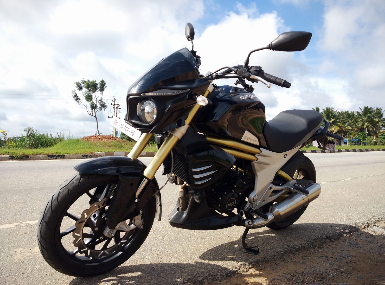 Mahindra Mojo first ride report