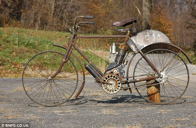 rusty cycle with bike parts