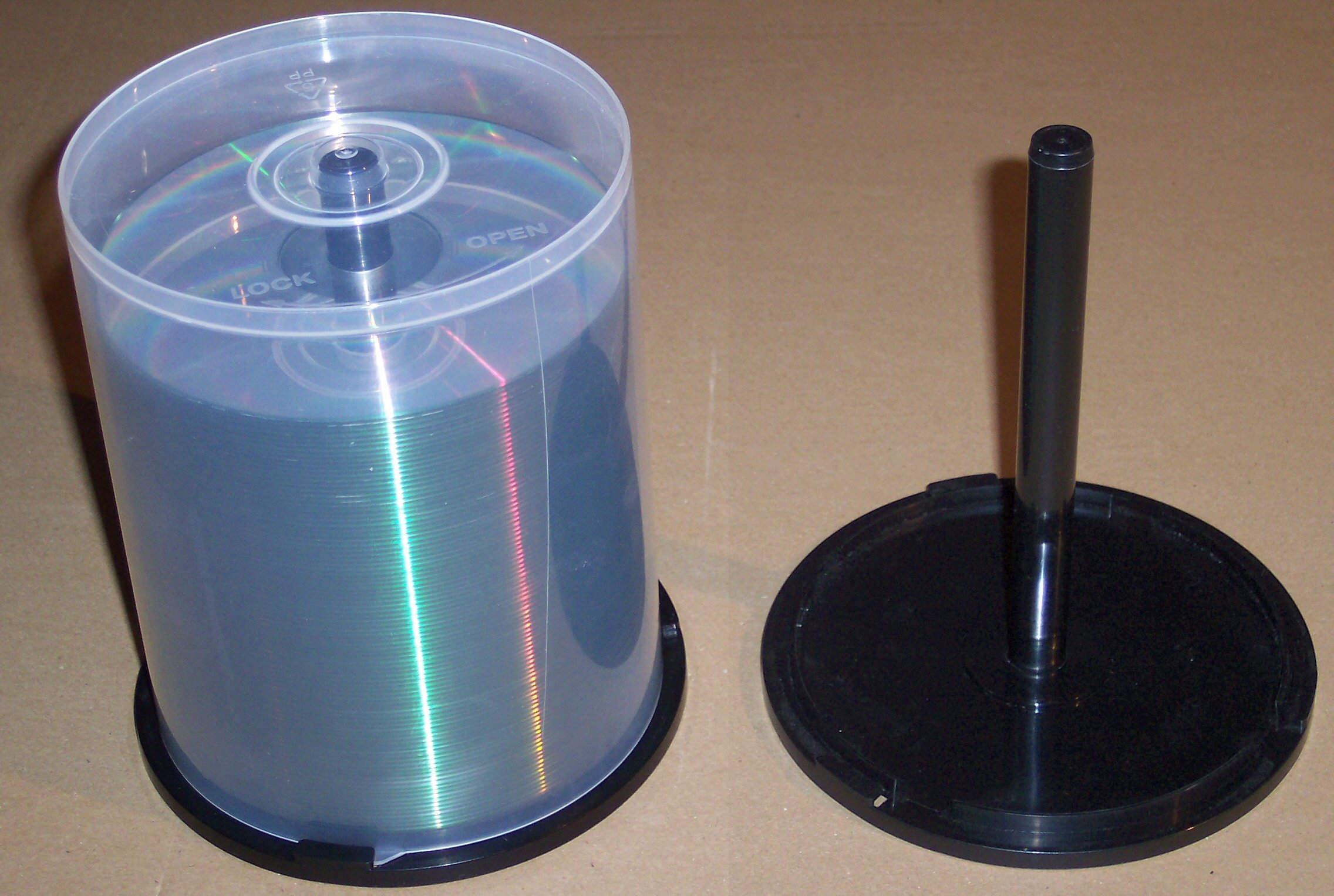 Tiffin box made out of CDs