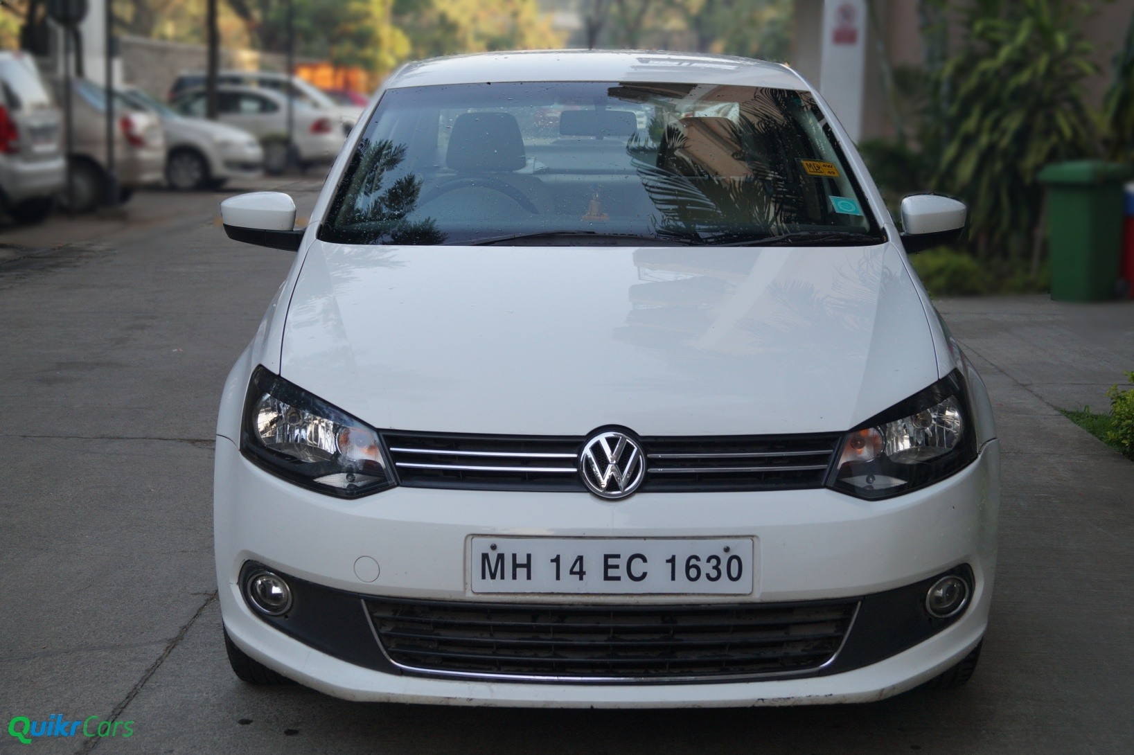 VW Vento front