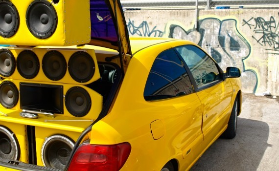 music-systems-in-cars