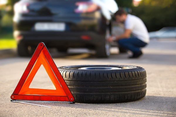 warning-signs-replace-car-tyres